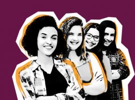 Arte com fundo roxo e a foto em preto e branco de quatro adolescentes. Elas estão de braços cruzados e sorrindo.