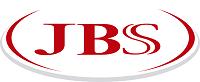 Dentro de um semicírculo vermelho e cinza há a palavra JBS